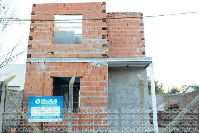 En nuestra ciudad ya se iniciaron 450 obras por el plan de for Plan procrear viviendas