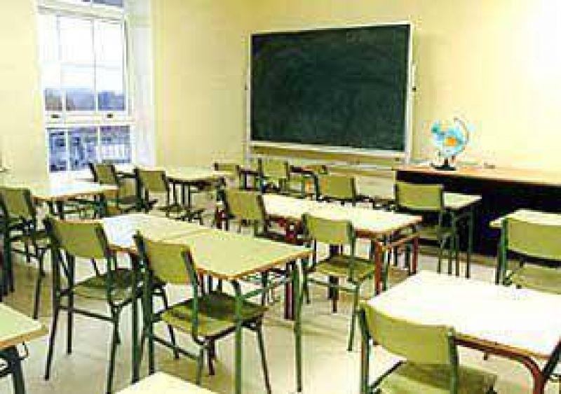 Malestar en los gremios por la deuda con los docentes