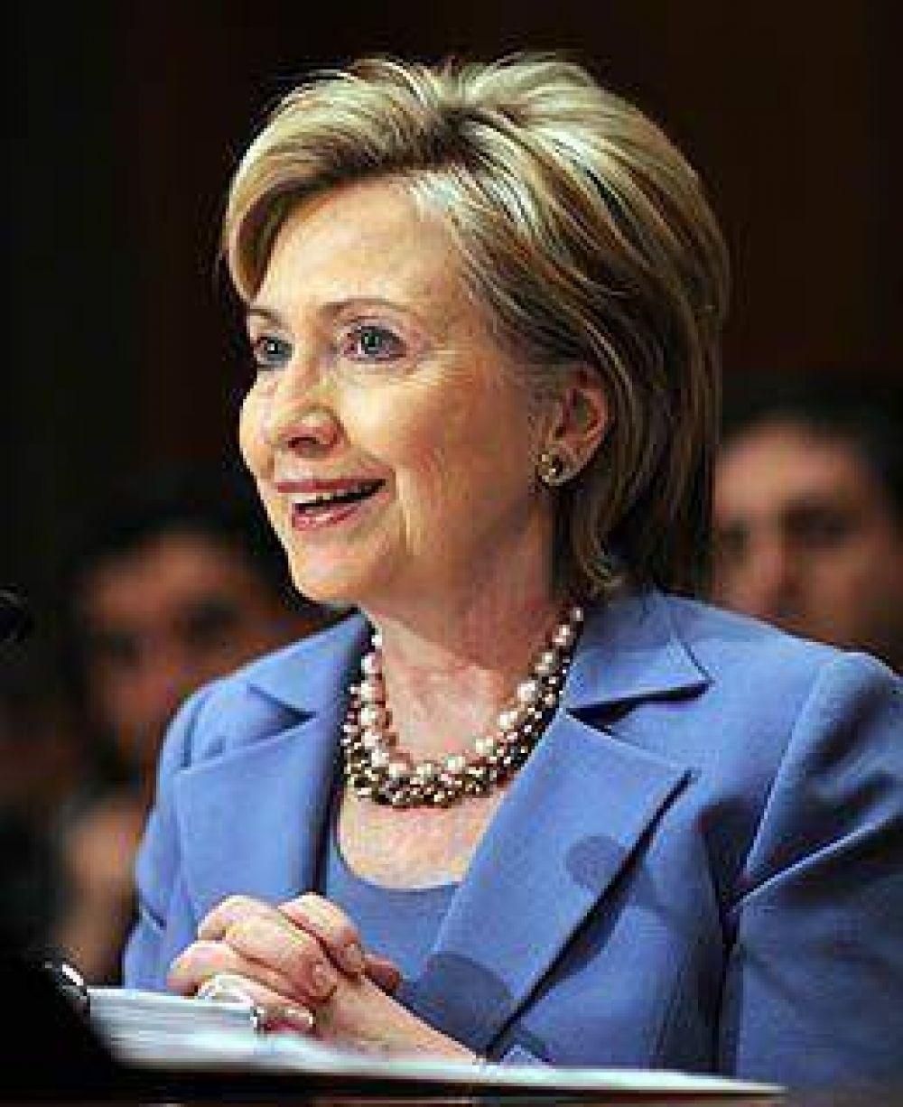 Hillary Clinton reclama a Cuba más democracia para que sea readmitida en la OEA