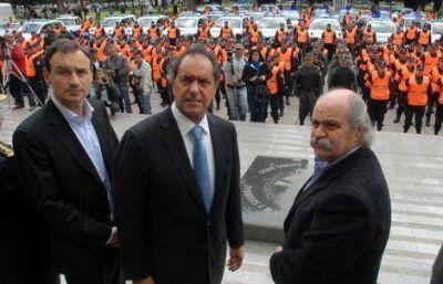 M�s patrulleros y polic�as en las calles de La Plata