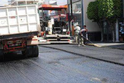 Caos de tránsito por reencarpetado de varias calles en Quilmes Centro