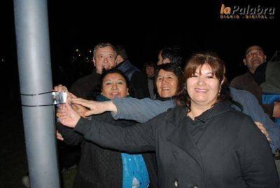 Inauguraron las nuevas luminarias de la plaza Pereira