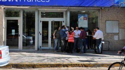 Robaron un banco en Rosario y se llevaron un mill�n de pesos