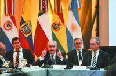 Los países de la Unasur acordaron la coordinación de controles antilavado