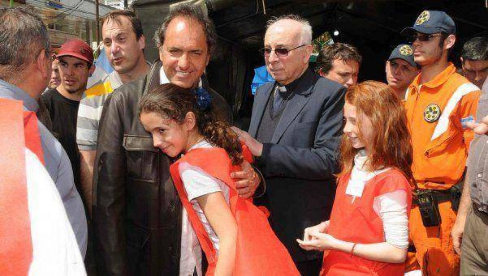 "Scioli llamó ""a renovar la fe y revalorizar la familia"""