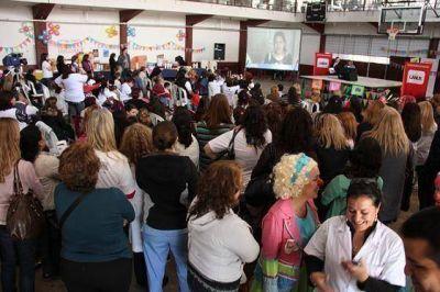 Los niños prematuros de Lanús disfrutaron de una fiesta organizada en honor a sus derechos