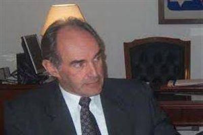 """Puig vot� y dijo: """"El gobernador debiera ser m�s respetuoso con otras expresiones pol�ticas"""""""