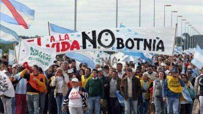 Uruguay dispuso un operativo militar por el cruce de asambleístas de Gualeguaychú