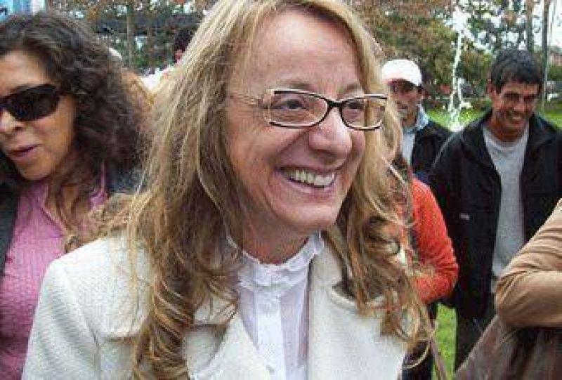 En un multitudinario acto en Pilar  Alicia Kirchner firmó convenios para crear 600 puestos de trabajo