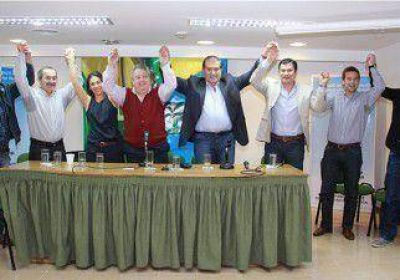 Pereyra recibió el apoyo de los concejales del MPN