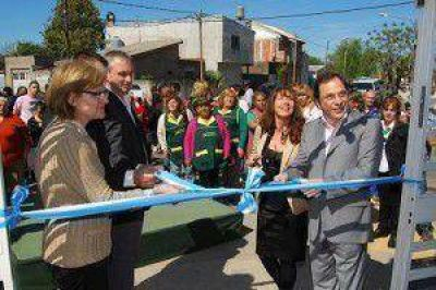 Inauguran centro de salud en 2 de Abril