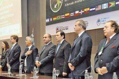 Zamora y Manzur abren una Jornada de Chagas y dengue