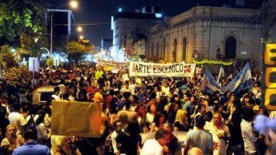Protesta histórica en La Rioja: 40.000 personas marcharon por la universidad
