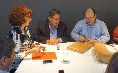 Continúan actividades en diversos barrios de la ciudad de candidatos del FpV