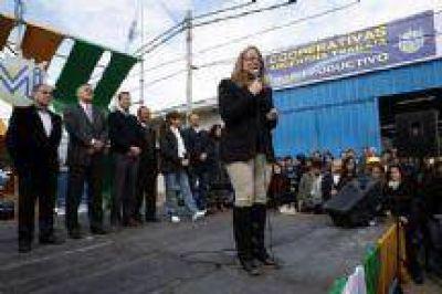 """Alicia Kirchner: """"Implementamos una política de derechos, para la gente y de construcción de ciudadanía"""""""