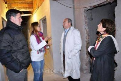 Candidatos del MV visitaron Caminemos Juntos y el Centro Municipal de Salud