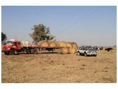 El gobierno provincial asiste a productores afectados por la sequía