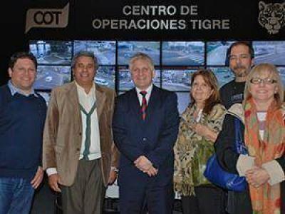Los candidatos del Frente Renovador de Tres de Febrero recorrieron el COT de Tigre
