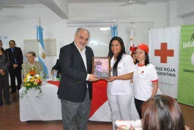 Al entregar aporte estatal, el gobernador reconoció el trabajo social de la Cruz Roja