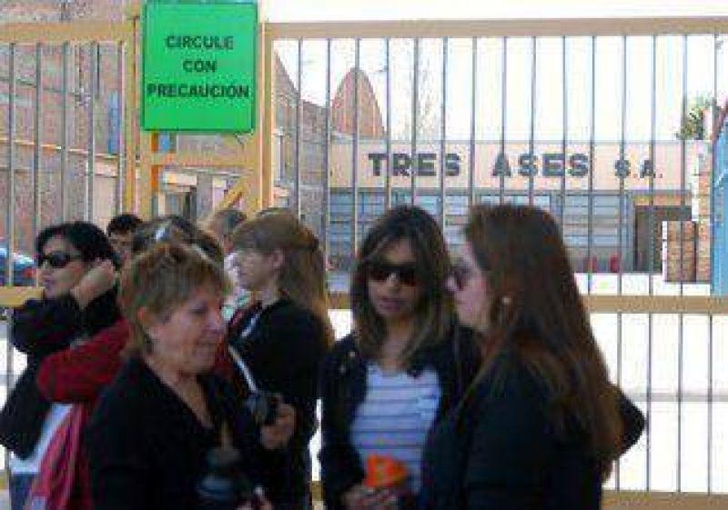 Trabajadores del empaque se movilizan en Cipolletti