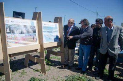Anuncian la construcción de 5 Polideportivos en diferentes barrios