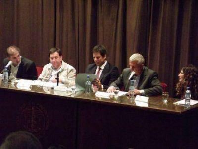 Candidatos a diputados provinciales debatieron en el Colegio de Abogados