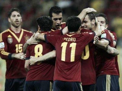 España ganó y quedó a un paso de Brasil 2014