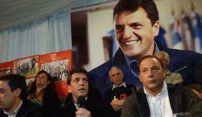 Massa visitó Balcarce y le dio un fuerte respaldo a Petruccelli