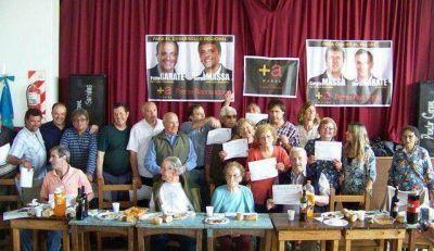 El Frente Renovador brindó un homenaje a los peronistas de Orense