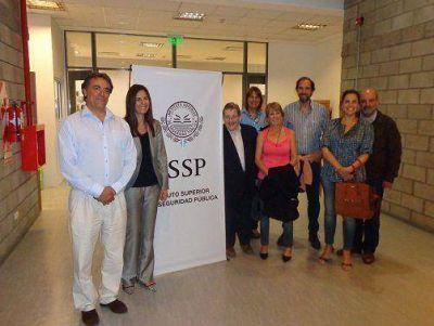 Vecinos de San Isidro recorrieron el sistema de seguridad de la Ciudad