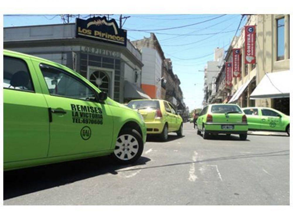 Este jueves los choferes de taxis y remises se concentrarán frente a la municipalidad
