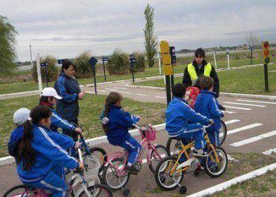 Educación vial para los chicos en el Parque Don Tomás