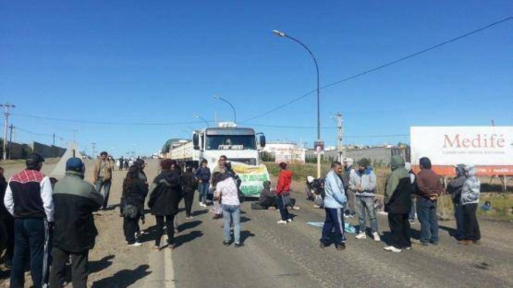 Cooperativistas cortan la ruta nacional Nº 3