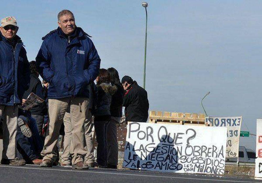 Ceramistas vuelven a protestar sobre ruta 7