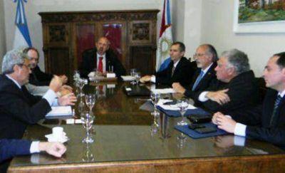Córdoba dispondrá de tierra en el puerto de Santa Fe