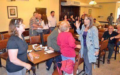 Mirta Tundis visitó Pergamino y encabezó una reunión con jubilados