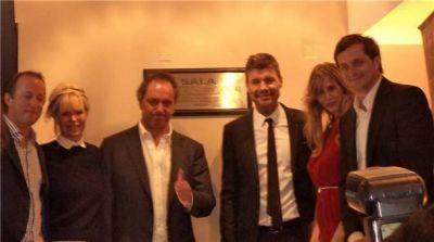 Reinauguraron el Cine Avenida con Marcelo Tinelli y referentes políticos