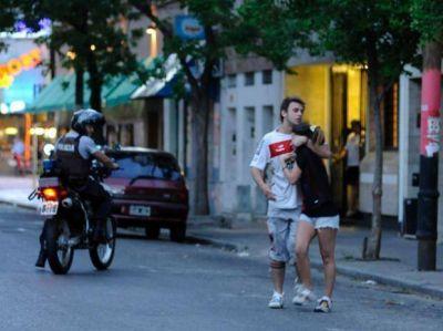 Tras el clásico cinco jóvenes fueron detenidos por disturbios en avenida Pellegrini y Paraguay