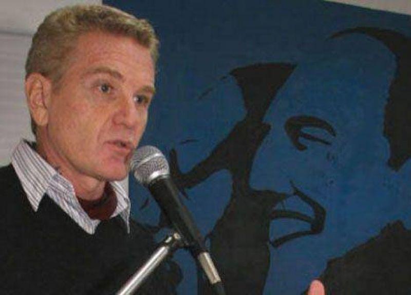 De Narváez dice que Kirchner prefiere a Chávez que a Perón