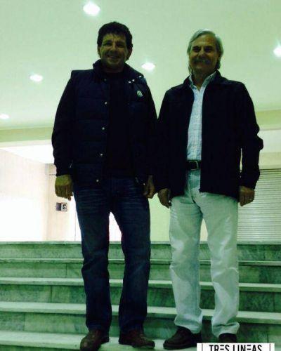 Juan Curuchet, junto a Daniel Rodríguez, en una recorrida por el CEF