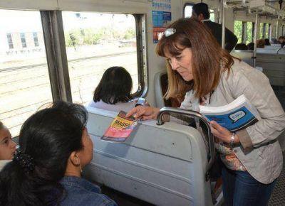 Nancy Katopodis, de campaña en el tren