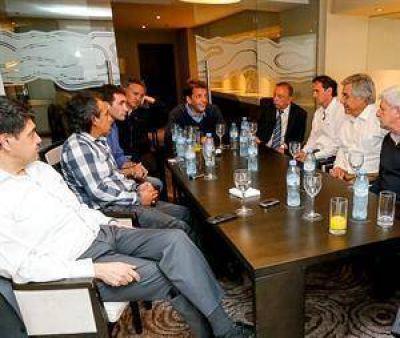 Massa lanzó directivas a sus aliados para la fiscalización