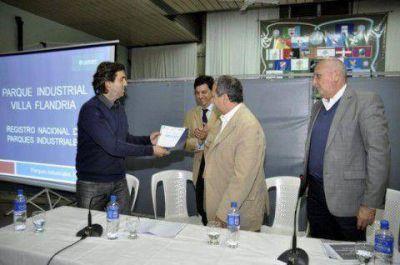 Entregan certificado de inclusión en el Registro de Parque Industriales