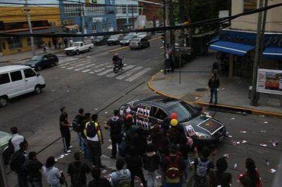 Insólito: El possismo salió a criticar con dureza caravana del massismo
