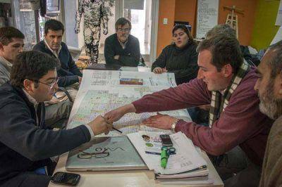 """Bossio: """"cerramos la campaña como la empezamos: junto a los vecinos"""""""