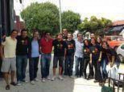 Caminatas simultáneas de los candidatos del Frente Renovador por todas las localidades de La Plata para cerrar la campaña