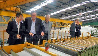 Osvaldo Rial visitó la nueva línea de producción de la empresa Frío Star