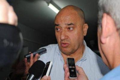 Batarev: �La entrega de viejas boletas �es una forma de embarrar la cancha�