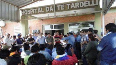 Una médica y tres enfermeros fueron detenidos por la muerte de un bebé qom