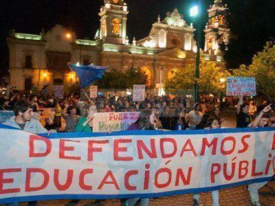 Toma de la UNSa: hubo una marcha en la plaza 9 de Julio